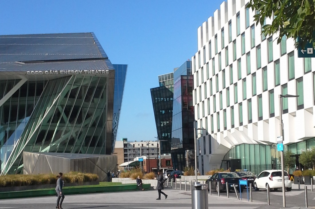 grand_canal_square-1100x730